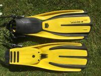 Mares avanti X-3 diving fins/flippers