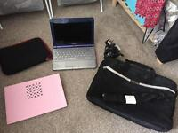 Toshiba NB200-125 Netbook with Cooling Fan and Carry Case