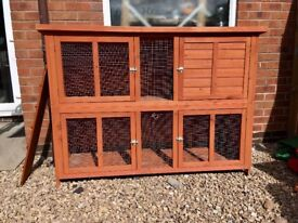 Guinea pig/rabbit hutch and thermal cover