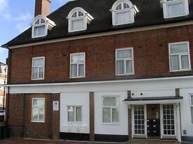 large studio flat in Hendon, includes Most bills , close to local shops and transport,£ 185PW