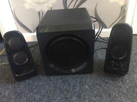 2 speakers and Sub