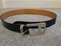 Ladies Moshchino belt, New condition,hardly worn,smoke free home 🏘️.