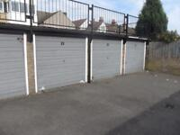 Garage for rent in Romford