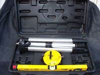 Eprect Spirit Laser Level Kit with Tripod & Swivel Head & Carry case VGC Hardly Used!