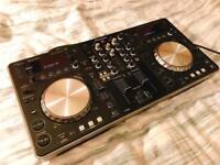 Pioneer XDJ-R1 DJ Controller & UDG Ultimate controller backpack