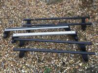 3 sets of roof bars.