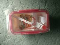 Hello Kitty lunch box Tupperware