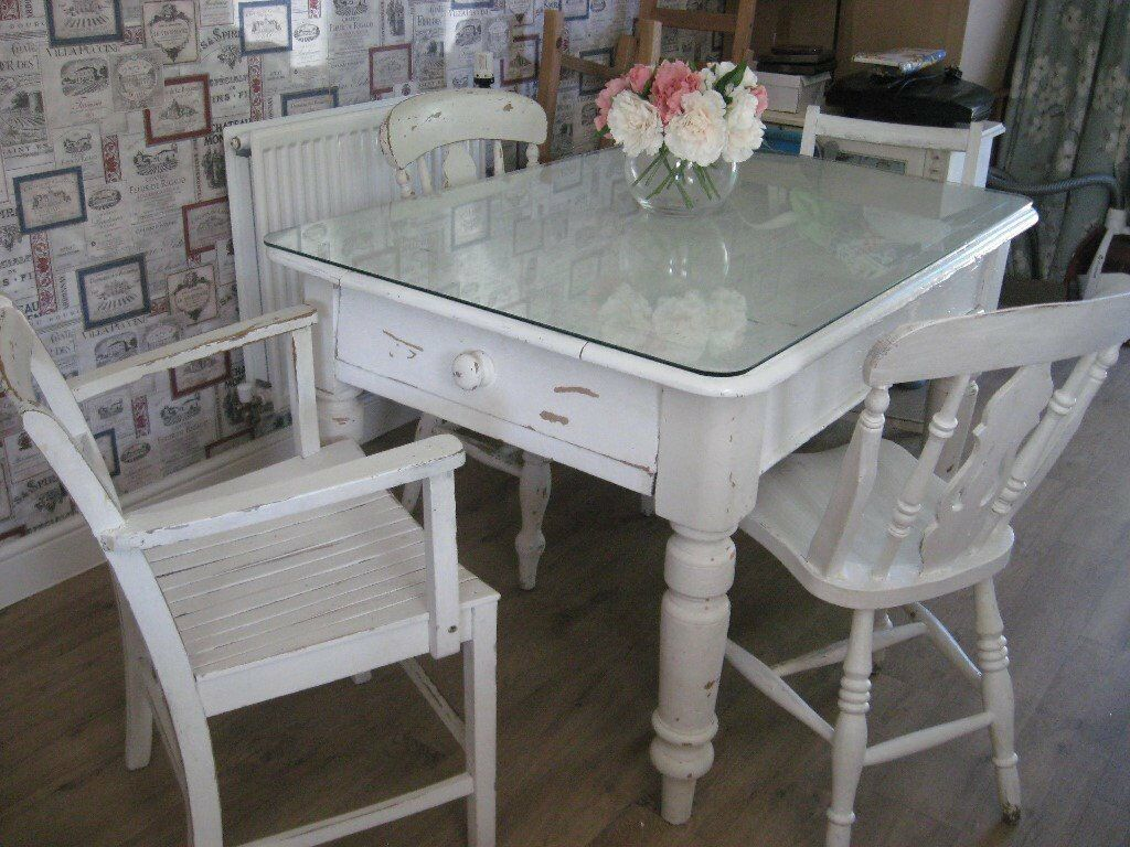 OLD PINE FARMHOUSE TABLE AND CHAIRS