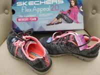 Brand new Skechers trainers UK3