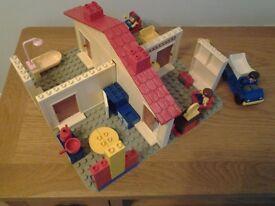 LEGO DUPLO 4 rooms setting +3 people +Walls &LargeBase Board SIZE 38 X 38 CM