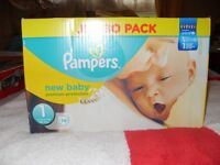 Brand New & Sealed Jumbo Pack 74 Pampers New Born Nappies 4-11 lbs