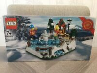 LEGO 40416 - Ice Skating ⛸ Rink Christmas Set - Brand New & Factory Sealed