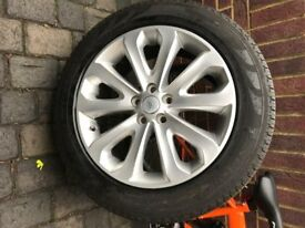 "2016 Range Rover HSE 20"" Wheels with Tyres"