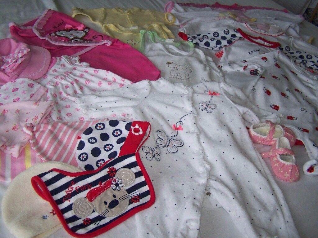 Baby girls clothes bundle Newborn/0-3 month .