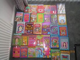 Jacqeuline Wilson childrens books 33 in total