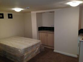 1 BEDROOM STUDIO * NEWLY REFURBISHED * HOLBECK * RUNSWICK TERRACE *ZERO DEPOSIT * DSS WELCOME!