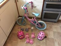 Girls Bike 4-6 Year Old with Stabilisers, Helmets and Knee/Elbow Pads