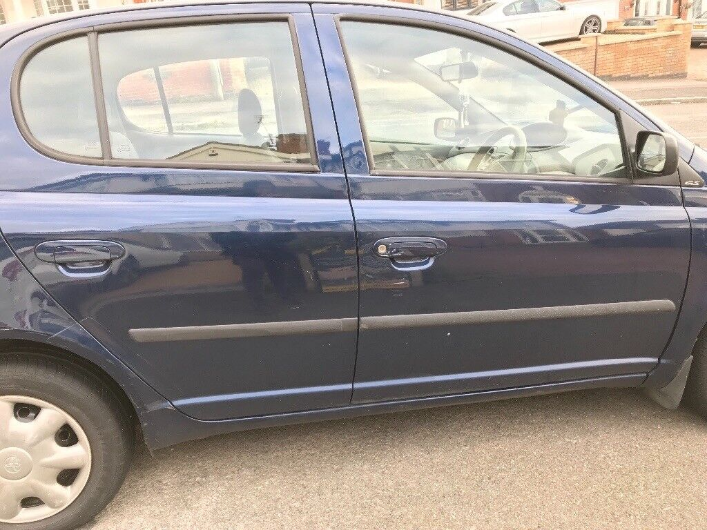02 Plate Toyota Yaris for sale