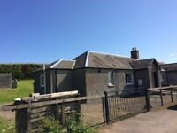 To Let Unfurnished:Semi detached 2 bed cottage near Rait/Balbeggie with exceptional views