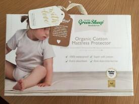The Little Green Sheep Waterproof Crib Mattress Protector, 83x50cm (Fits Next to Me)