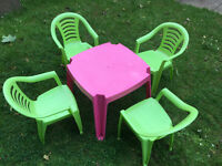 TODDLERS 4 X GARDEN CHAIRS AND TABLE OUTDOOR PATIO SET