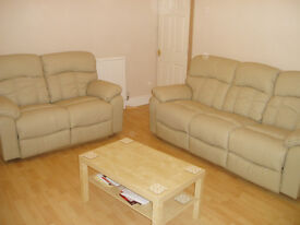 R O O M Grovehall Drive LS11 £260pcm all inc. Good links to the city centre