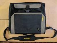 """Targus 17"""" Laptop bag / Messenger"""