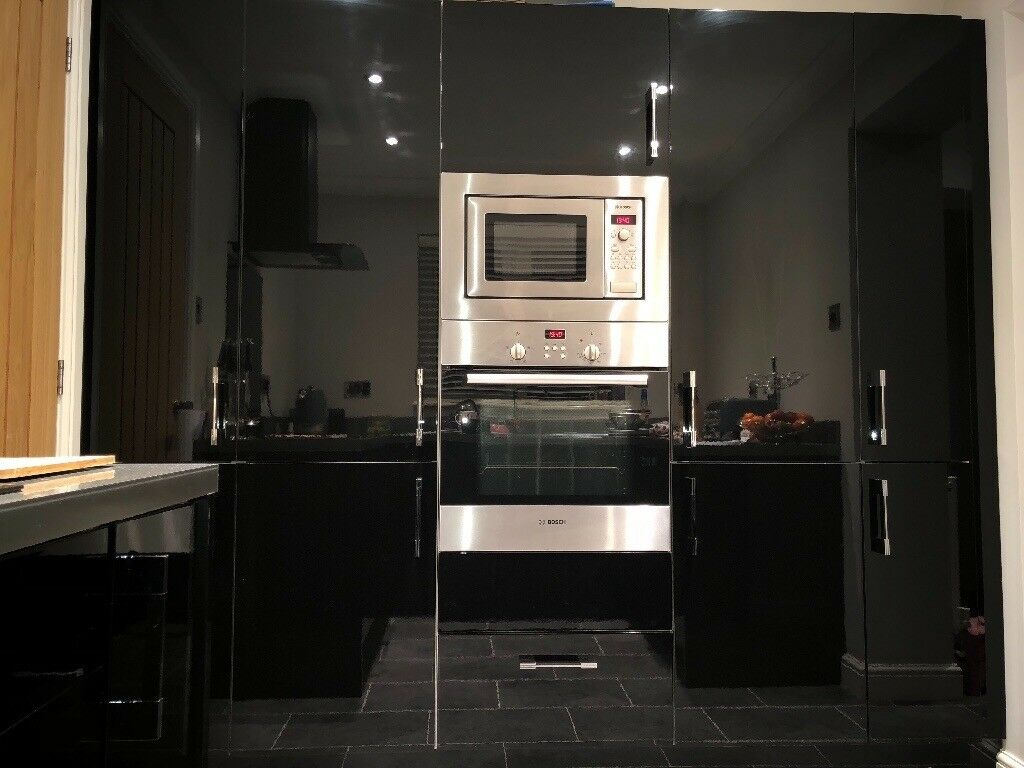 High Gloss Black Kitchen Units Induction Hob Fan Oven And Microwave
