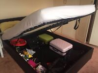 King size bed with mattress good as new