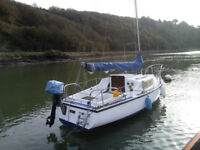 Bilge keeled small sailing boat in good condition