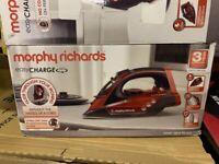 Morphy Richards 303250 Cordless Steam IronIron
