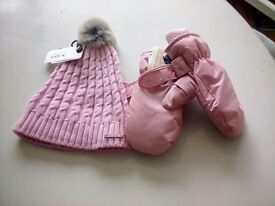 Girls ski hat and mittens