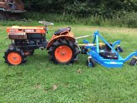 Kubota B7000 4WD Compact tractor with New 4ft Finishing Mower