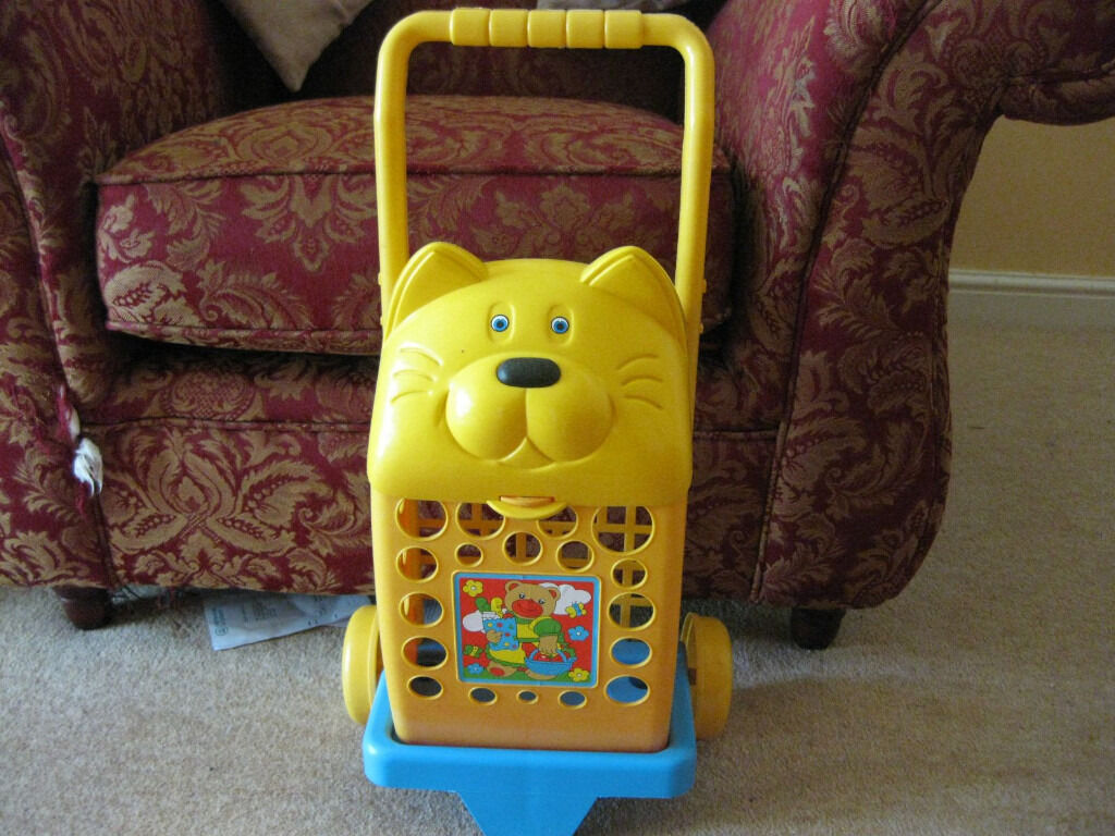 UPRIGHT Cat face TOY SHOPPING TROLLEY (Unusual) +free basket +FREE FOOD -FAB GIFT Xmas? NOW REEDUCED