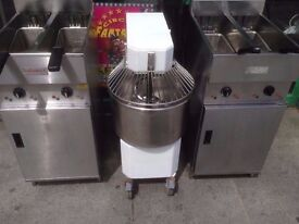 COMMERCIAL DOUGH MIXER BAKERY PATISSERIE KITCHEN TAKEAWAY LAHMACUN ROTI CAKE NAAN BREAD CATERING