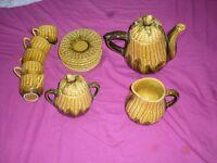 Corn King designed tea set_15 Pieces