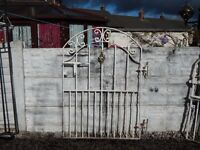 wrought iron gate / garden gate / metal gate / galvanised gate / driveway / patio / steel gate