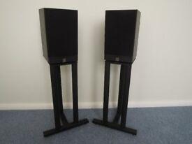 Mordount Short Speakers & Stands