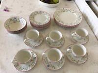 Johnson Brothers Summer Chintz 32 Pieces