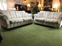 Stunning cream chenille stripe fabric suite 3 seater and 2 seater sofas