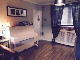 2 bed end of terrace house for 2 bed plus