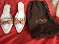 Designer women's shoes TOD'S UK size 3 (camel and cream coloured kitten heels