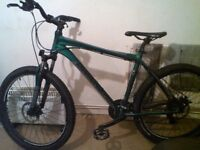 immaculate diamondback full hydraulic brakes -hydraulic front suspension rrp £699 wanting £250ovno