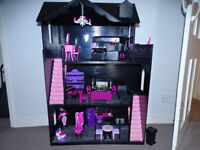 doll house plus furniture and accessories, monster high, gothic, emo