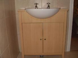 Vanity unit with sink & taps