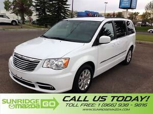 2016 Chrysler Town & Country PRICED TO SALE, LOW KMS, 7 PASSENGE