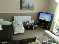 large ground floor 2 bed flat in Keyworth