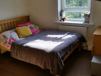 Double room in a shared 2 bedrooms flat