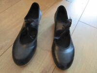 BLACK TAP SHOES in size 6.5 from BLOCH with tap on toe & heel - IMMACULATE!