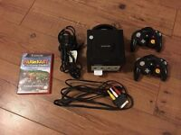 Nintendo Game Cube with 2 controllers & Mario Kart Double Dash